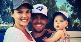 Stephen Amell removed from flight after alleged altercation with wife