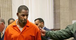 Jury selected in R. Kelly's sex-trafficking trial