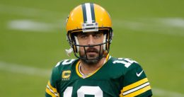 NFL star Aaron Rodgers refuses to vaccine-shame his teammates: 'A personal decision'
